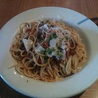 Photo taken at Pomodoro Cucina Italiana by Tsuyoshi O. on 4/20/2012