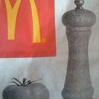 Photo taken at McDonald's by Elsa Kitty G. on 3/27/2012