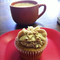 Photo taken at Cupprimo Cupcakery & Coffee Spot by Chuck H. on 8/1/2012