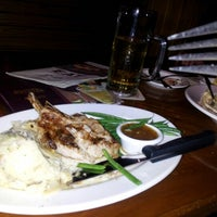 Photo taken at Outback Steakhouse by Prapapan A. on 8/21/2012
