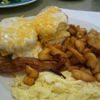 Photo taken at Perkins Family Restaurant & Bakery by Candi S. on 5/3/2012