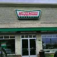 Photo taken at Krispy Kreme Doughnuts by Chantel W. on 3/3/2012