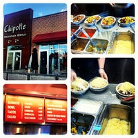 Photo taken at Chipotle Mexican Grill by James M. on 6/26/2012