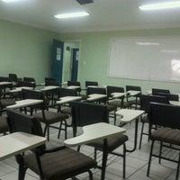 Photo taken at FAMETRO - Faculdade Metropolitana de Manaus by Thales Leonardo N. on 6/27/2012