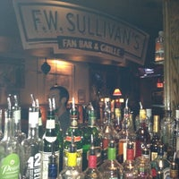 Photo taken at F.W. Sullivan's Fan Bar & Grille by Marithe on 3/7/2012
