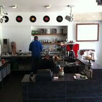 Photo taken at Elite Audio Coffee Bar by Norbert H. on 5/10/2012