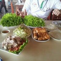 Photo taken at Daeng Nam-Nuang by TaTae K. on 3/21/2012
