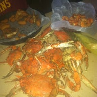 Photo taken at Hooper's Crab House by Doris on 8/4/2012