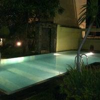 Photo taken at Ibis's Privat Pool by deradoora on 7/7/2012