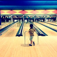 Photo taken at Palace Bowling & Entertainment Center by Dee T. on 7/14/2012