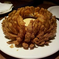 Photo taken at Outback Steakhouse by Adilson B. on 6/3/2012