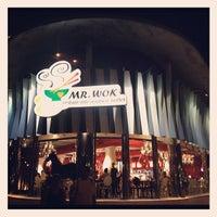 Photo taken at Mr Wok by Pepe K. on 8/11/2012