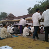 Photo taken at Alun-Alun Kota Serang by Ivan a. on 8/18/2012