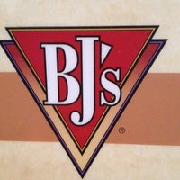 Photo taken at BJ's Restaurant and Brewhouse by Will954 on 5/25/2012