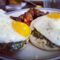 Photo taken at Pub & Kitchen by Jt c. on 8/12/2012