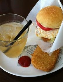 Burgers Cafe Pon-Pon
