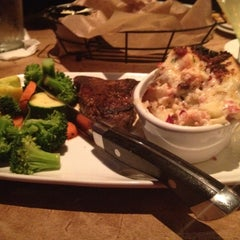 Photo taken at LongHorn Steakhouse by Carol A. on 5/5/2012