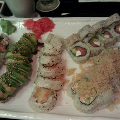 Photo taken at Sushi Hana Fusion Cuisine by Aristo on 7/21/2012
