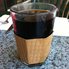Photo taken at Joni's Coffee Roaster Cafe by Valentino H. on 8/19/2012