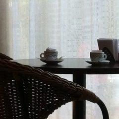 Photo taken at Grão Espresso by Gilson G. on 4/10/2012