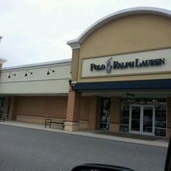 Photo taken at Queenstown Premium Outlets by Tony N. on 5/14/2012