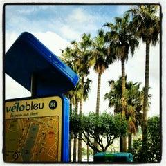 Photo taken at Vélo Bleu (Station No. 84) by Iarla B. on 5/4/2012