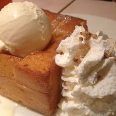 Photo taken at After You (อาฟเตอร์ ยู) by Karn R. on 8/3/2012