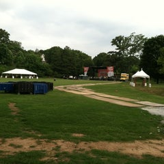 Photo taken at Red Stripe Mid Summer Music And Food Fest by Matt T. on 6/15/2012