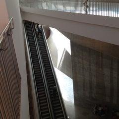 Photo taken at Tel Aviv Museum of Art (מוזיאון תל אביב לאמנות) by Alina Y. on 8/20/2012