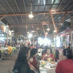 Photo taken at Food Festival by Uky H. on 5/18/2012