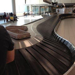 Photo taken at Baggage Belts by Jeroen E. on 5/27/2012