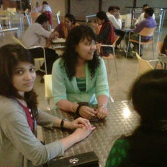 Photo taken at Buckets And Tuckets by Sushant P. on 3/16/2012