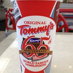 Photo taken at Original Tommy's Hamburgers by Peter T. on 9/2/2012