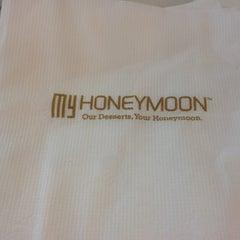 Photo taken at My HONEYMOON 甜蜜港式甜品屋 by Qiqi C. on 3/18/2012