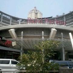 Photo taken at The Plaza Semanggi by Theara Ayu K. on 9/9/2012