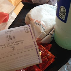 Photo taken at Taco Bell by Liz M. on 5/21/2012