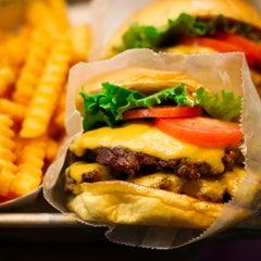 Photo taken at Shake Shack by Burger Days on 11/15/2011