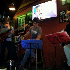 Photo taken at Ponto 1 Bar by Dirce H. on 2/4/2012