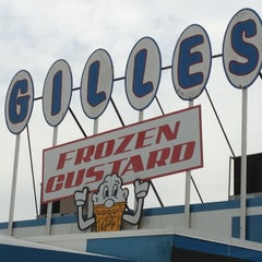 Photo taken at Gilles Frozen Custard by Rod R. on 7/22/2012