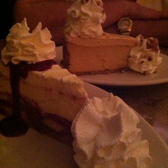 Photo taken at The Cheesecake Factory by Fernando V. on 5/15/2012