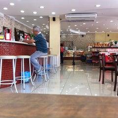 Photo taken at Doce Delícia by Eduardo K. on 12/8/2011