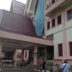 Photo taken at Pejabat Ketua Menteri Melaka by Uzaidi U. on 4/30/2012