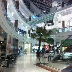 Photo taken at Shopping San Pelegrino by Mauricio S. on 3/20/2011