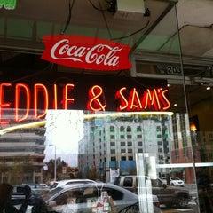 Photo taken at Eddie and Sam's Pizza by 💢💢Mayor Ry🍎ner💢💢 on 2/22/2012