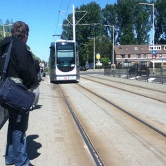 Photo taken at Tramhalte Donkersingel by Robby G. on 8/6/2011