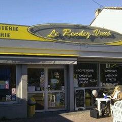 Photo taken at Le Rendez-Vous by Vincent L. on 1/20/2011