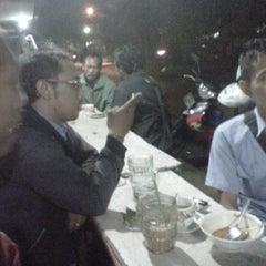 Photo taken at Warung GIRAS Bumimoro by Cepe Itoe Oedie on 12/15/2011