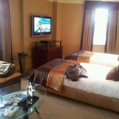 Photo taken at Radisson Blu Edwardian Berkshire Hotel by Dan E. on 5/4/2012
