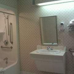 Photo taken at Comfort Suites Scranton Hotel Moosic by Shawn T. on 10/21/2011
