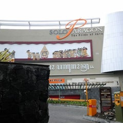 Photo taken at Solo Paragon Mall by TitaAnanda on 1/3/2012